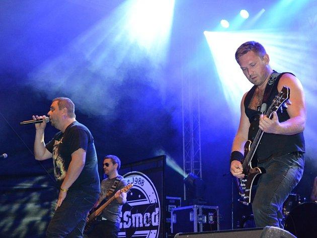 Čtvrtý ročník Kupkofest nabídl dechovku, cimbál i rock.