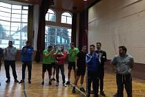 Modřičtí borci s českým reprezentantem Jakubem Pospíšilem splnili úkol favorita na nohejbalovém turnaji trojic ve Vlčnově