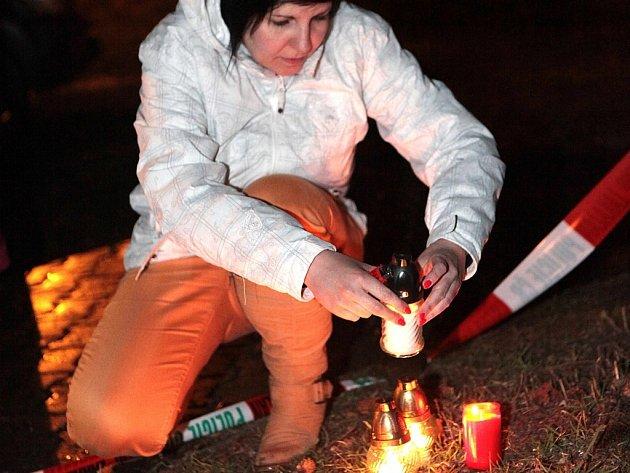 Pietní akt po střelbě v restauraci Družba v Uherském Brodě.