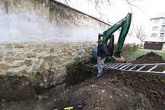 Nové turistické lákadlo, obnažené barokní hradby ze 17. století, bude brzy mít Uherské Hradiště