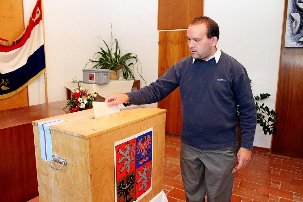 Také vpoutním Velehradě odstartovaly volby do zastupitelstva obce.