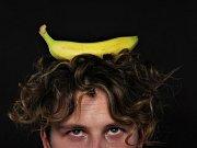 """Jídlo- Jak říká Petr Čagánek: """"Pořád něco žereš!"""" A má pravdu! K fotce - chtěl jsem si dát na hlavu meloun, ale neudržel bych ho!"""
