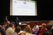 Na šest desítek starostů se ve čtvrtek 9. března v Uherském Brodě seznámilo s novými možnostmi zisku dotací na své projekty.