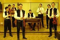 S elánem vyhrávala Cimbálová muzika Stanislava Gabriela na reprezentačním plesu města Uherské Hradiště.