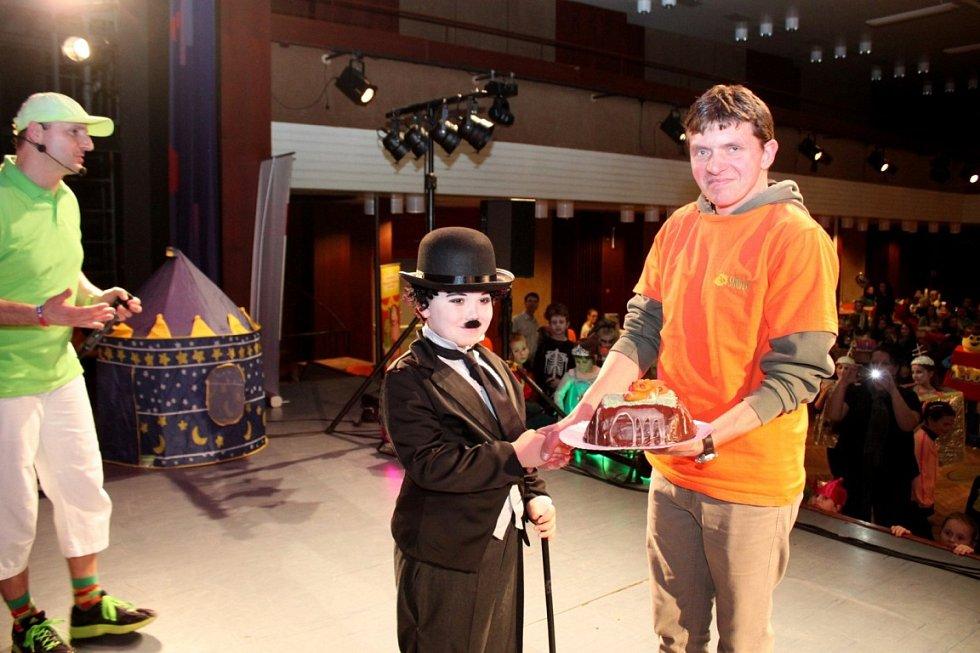 Kouzelník Jiří Hadaš zavítal vneděli odpoledne za dětmi do Klubu kultury Uherské Hradiště.
