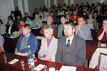 Přednášce brněnského archeologa Luďka Galušky naslouchal plný sál.