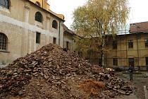 Rekonstrukce hradišťské jezuitské koleje, známé jako dům služeb, začala.