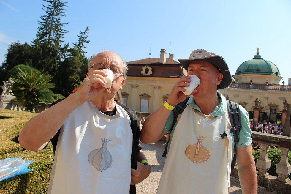Česnekem byl provoněn nejen areál buchlovického zámku, ale i městečko Buchlovice.