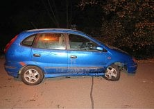 Řidič boural v Hluku  hned ve dvou ulicích.