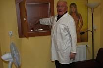 Na klinice reprodukční medicíny darují muži sperma v této místnosti.