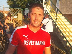 Záložník Osvětiman Veliče Šumulikoski poutal na hřišti v Nivnici velkou pozornost.