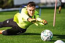 ČEKÁ NA ŠANCI. Bývalý brankář Slovácka Matouš Trmal má ze sebou první týdny v klubu Vitória SC Guimarães.
