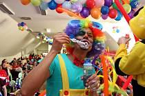 Kluci a holky se na velehradském karnevalu vyřádili, ale také naslouchali jeho protagonistům.