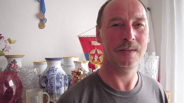 Starosta sboru dobrovolných hasičů v Ostrožské Lhotě Jaroslav Šuránek.