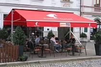 Skandal bar v Uherském Hradišti. Ilustrační foto.