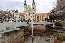 Po zimní přestávce v těchto dnech ožily první dvě kašny v centru Uherského Hradiště.