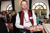 Už sedmý ročník Veletrhu cestovního ruchu a gastronomie Slovácka odstartoval křest druhého čísla turistického magazínu Slovácko.