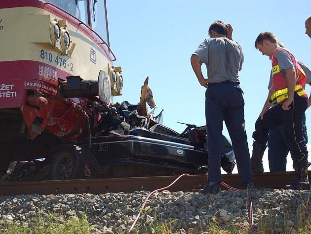 Nehoda na železničním přejezdu v Kunovicích.