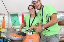 Italové vařili v Březové typické těstoviny.