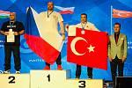 Známý hlucký pákař Dušan Tesařík získal na mistrovství Evropy v Řecku zlato a bronz. Foto: archiv Dušana Tesaříka