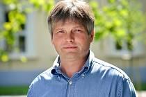 Ředitel Klubu kultury Uherské Hradiště Antonín Mach je jedním z hlavních organizátorů tradičního Slavností bratrství Čechů a Slováků na Velké Javořině