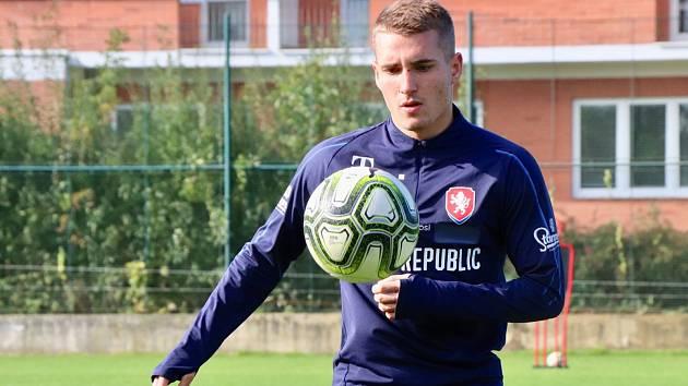 Záložník české fotbalové jednadvacítky Michal Sadílek se už potřetí v kariéře představí v reprezentačním dresu na stadionu Miroslava Valenty.