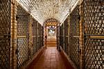 Sklepní labyrint v Mařaticích, který vznikl propojením tří historických měšťanských vinných sklepů Jahoda, Herman a SYNOT. Na snímku Archivní sklep.