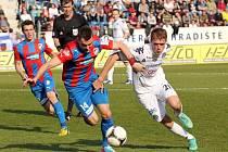 1. FC Slovácko - Plzeň. Zleva Radim Řezník a Milan Kerbr.