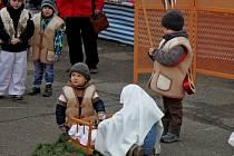 Desítky Huštěnovických i přespolních přišly vneděli odpoledne kmuzeu, aby nasály atmosféru blížících se Vánoc.