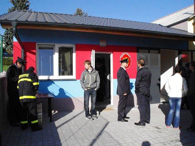 Slavnostní otevření nové hasičské zbrojnice v hradčovické Lhotce.