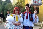 Soutěžní pár číslo 15 – Tereza Voltemarová a Filip Hubík, starší stárci na hodech v Sadech.