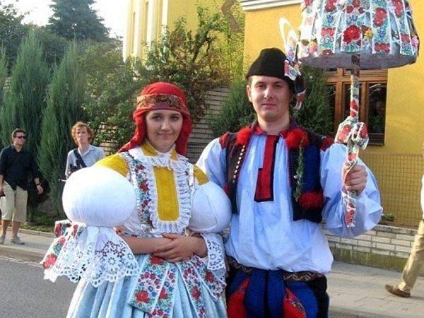 Soutěžní pár číslo 15 – Tereza Voltemarová a Filip Hubík, starší stárci na hodech vSadech.