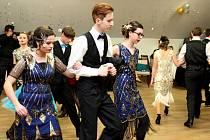 Příjemnou plesovou atmosférou, která byla velkou společenskou událostí Základní školy Velehrad, se vsobotu večer nechali unášet návštěvníci tamního turistického centra. Krátce po 20. hodině je zaplavil pocit nádherného společenství při bravurně zatancova