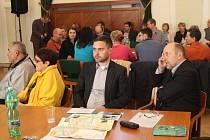 V rámci Veřejného fóra o rozvoji města obyvatelé Uherského Hradiště v pondělí 11. dubna poukázali na problémy, které je nejvíc tíží.