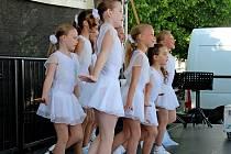 PŘÍPRAVA. Mladé aerobičky z DDM Šikula měly na mezinárodní klání generálku na Dnu dětí v Uherském Hradišti.