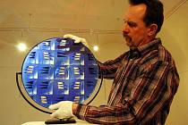 Stanislav Žampach připravuje expozici stejnojmenné rodinné firmy v Galerii Panského domu v Uherském Brodě.