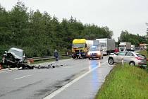 Při nehodě u Veletiny byli zraněni oba řidiči.