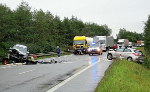 Dopravní nehoda u Veletin