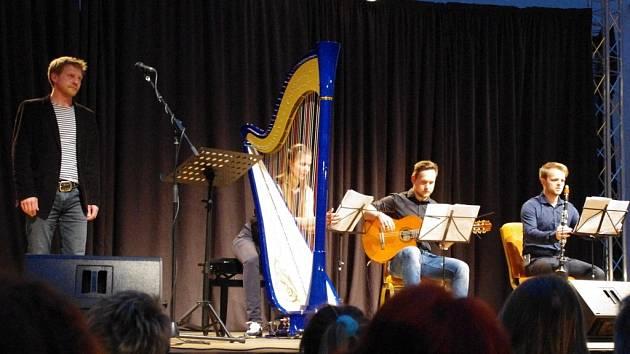 Vzpomínkový koncert na Karla Kryla a jeho nedožitých 70 let.