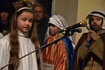 V Kněžpoli rozsvítili betlém hodinovým pořadem.