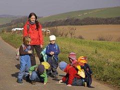 Jitka Patakiová je hlavním pedagogem v klubu Klíček, který je inspirovaný lesní školkou.