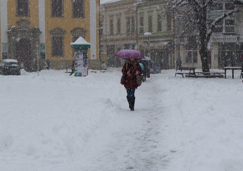 Sněhová nadílka na Masarykově náměstí v Uherském Hradišti