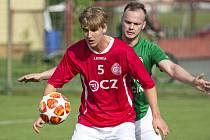 Fotbalisté Uherského Brodu slaví záchranu ve třetí lize. Proti Otrokovicím se střelecky prosadil i Šimon Chwaszcz (na snímku).