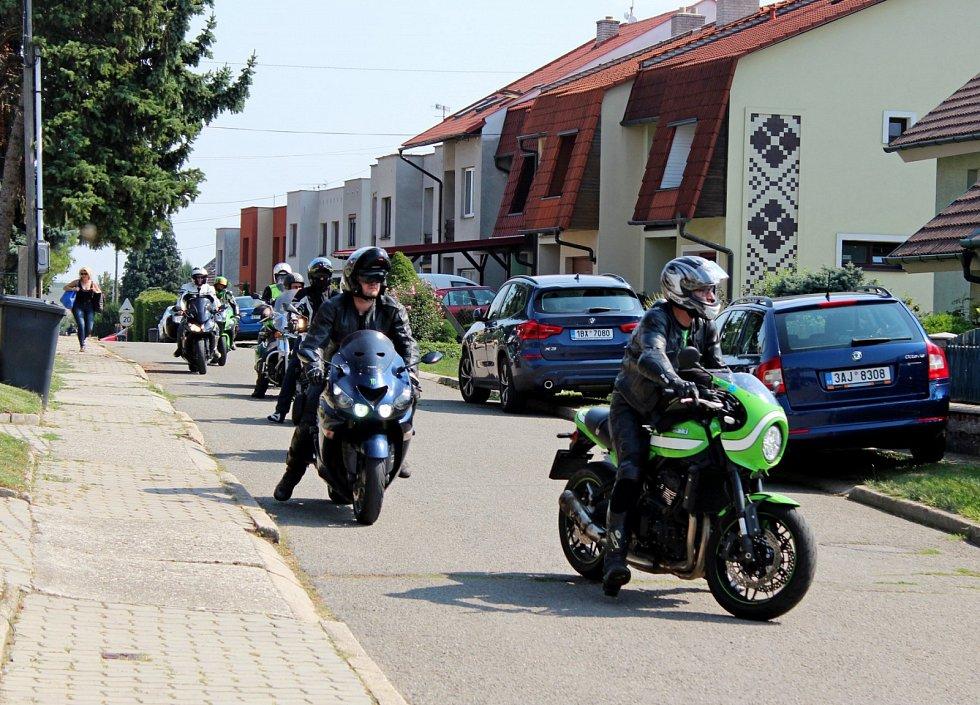 Kawasakisté už deset let jezdí za hendikepovanými lidmi na Velehrad
