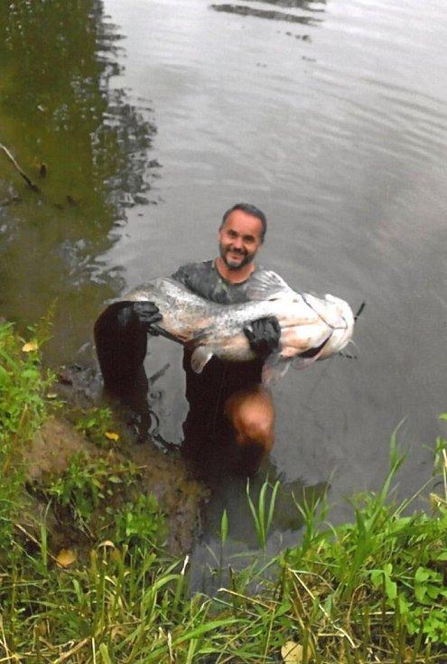 Soutěžní číslo 133 - Marek Liška, sumec, 202 cm a 66 kg.