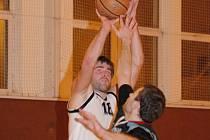 Proti brněnské Tesle sice ještě basketbalisté JVSB Uherské Hradiště nevyhráli, předposlední Břeclav už ale s přehledem přestříleli a přerušili sérii zápasů bez vítězství.