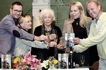 Knihu Josefa Kubáníka o Květě Fialové křtila i Dagmar Havlová.