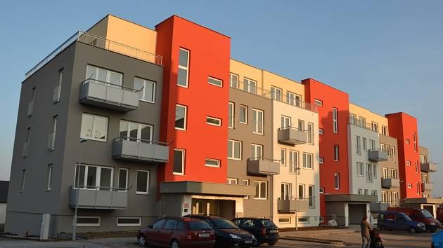 První majitelé se budou moci do nového domu nastěhovat už za několik týdnů.
