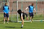 Fotbalisté Slovácka na hřišti v Sadech začali se společným tréninkem. 27. dubna 2020