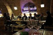 Galerií slováckých vín se rozléhaly hlasy ženského pěveckého sboru Jahoda.